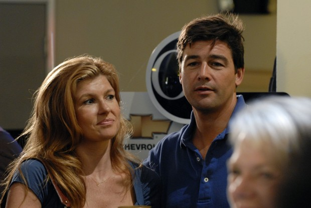 Friday-Night-Lights-Tami-Connie-Britton-and-Eric-Kyle-Chandler